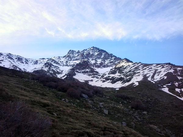Cara-norte-de-la-Alcazaba